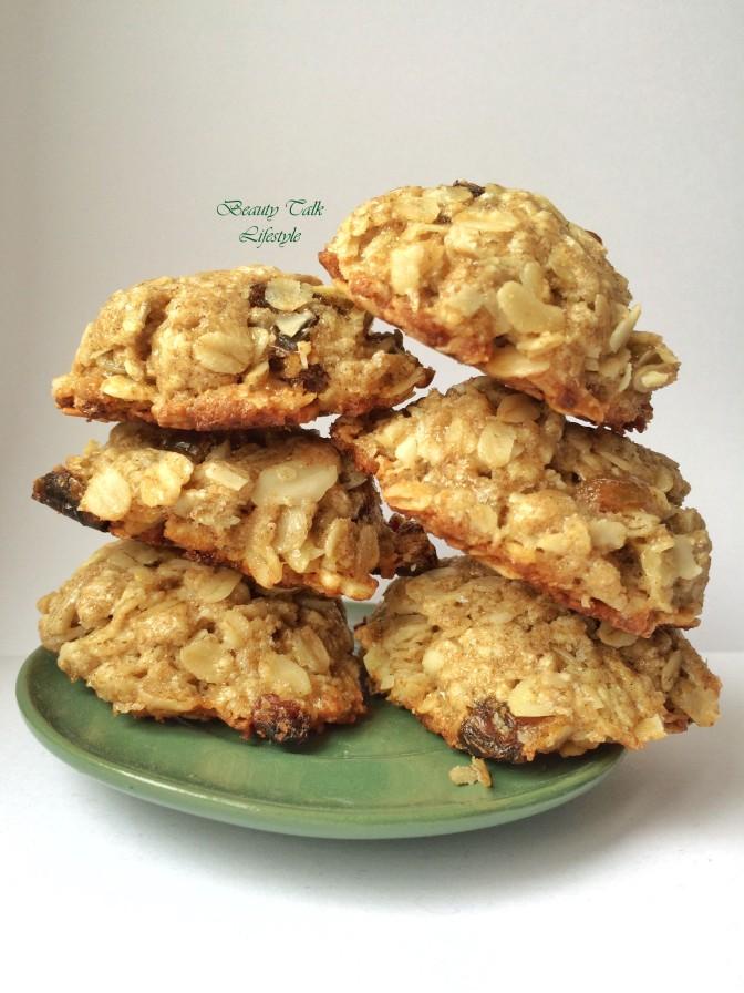 Classic Oatmeal Cookies. Plus Protein Version. Класичне Здорове Вівсяне печення. Плюс Протеїновий варіант для спортсменів.