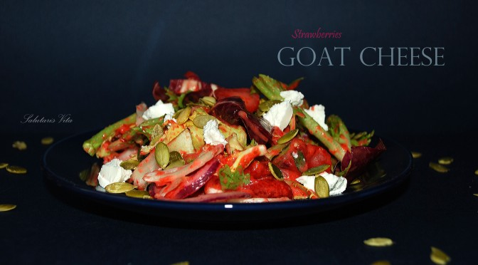 Spring Mix Salad Goat Cheese Strawberries