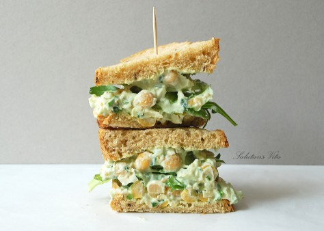 chickpea avocado sandwich