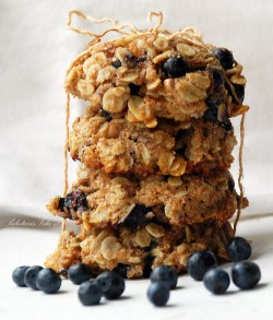 Oatmeal blueberry chewy cookies