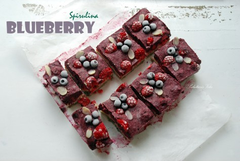 raw blueberry spirulina cheesecake