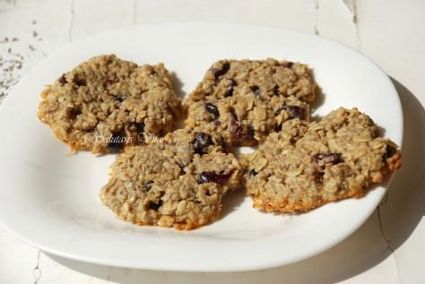 Chewy Oatmeal Raisin Cookies 2SV